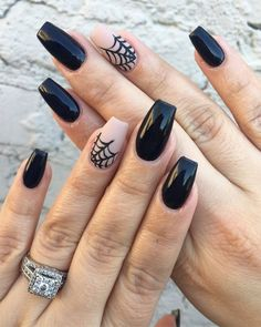 Halloween spider web nail art by Smfagundes. Long web nails with spider web accent nails. Nail art via Nailstyle.com