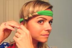 If you are looking for a quick and easy hairstyle that requires no hot tools whatsoever, this headband trick is for you. Starting with unwashed hair, she shows a foolproof way to. Easy Overnight Curls, Curl Hair Overnight, Easy Curls, Overnight Hairstyles, Curled Hairstyles, Easy Hairstyles, Heatless Curls Overnight, Heatless Waves, Heatless Hair