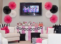 such a fun idea for a girls night in. and we can watch the bridesmaids movie!