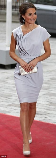 """Love this dress; very classic.  Can't seem to find a suitable comparison in stores for myself though; might just have to employ the royal seamstress.  """"Beauty Icon Kate Middleton - Fashion Diva Design.  I love the neckline and the color of this dress."""""""