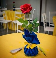 Beauty and the Beast is the perfect tale to tell everyone that physical looks of. - Beauty and the beast party - Beauty And Beast Birthday, Beauty And The Beast Theme, Beauty And Beast Wedding, Beauty Beast, Little Prince Party, Snow White Birthday, Disney Princess Party, Quinceanera Party, Birthday Decorations