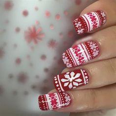 Imagen vía We Heart It https://weheartit.com/entry/150593473/via/30960710 #nails #red #white #winter