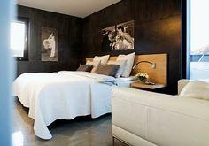Bo-Bedre.no - Tuff svart betongvägg i sovrum och betonggolv