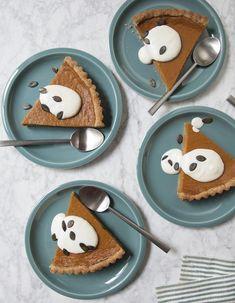 Pumpkin pie au spéculoos pour 6 personnes - Recettes Elle à Table Cranberry Bliss Bars, Tarte Caramel, Bon Dessert, Sweet Pie, Bon Appetit, Creme, Easy, Deserts, Good Food