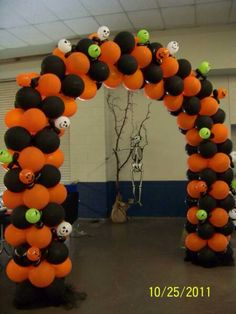 Halloween balloon decorations Silver Blue White Balloon Halloween Balloon Arch Pinterest 80 Best Halloween Balloon Decoration Images Balloon Ideas