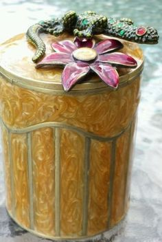 Bombay Co. Lacquered Brass Box 3D Jeweled Lizard and Flower Votive Candle Holder