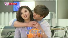 Sungjae and Joy carry each other + sweet back hug while bowling on 'We Got Married' | http://www.allkpop.com/article/2016/04/sungjae-and-joy-carry-each-other-sweet-back-hug-while-bowling-on-we-got-married