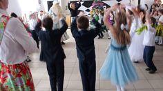 """awesome Dansul  clasei  I la Revelionul claselor  primare """" Să urăm  de sănătate ! """""""