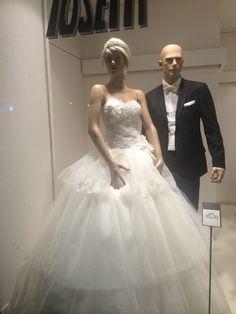 Le nostre vetrine...... www.tosettisposa.it #abitidasposa2015 #wedding #weddingdress #tosetti #abitidasposo #abitidacerimonia #abiti  #tosettisposa #nozze #bride #modasottolestelle #alessandrotosetti #domoadami #nicole #pronovias #alessandrarinaudo# realtime #l'abitodeisogni #simonarulli #aireinbarcellona #rosaclara'#airebarcellona # زواج #брак #فساتين زفاف #Свадебное платье #حفل زفاف في إيطاليا #Свадьба в Италии
