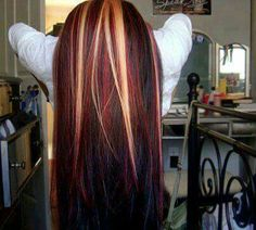 hair with red as the base and black and blonde highlights... absolutely gorgeous, I love it! ❤❤❤