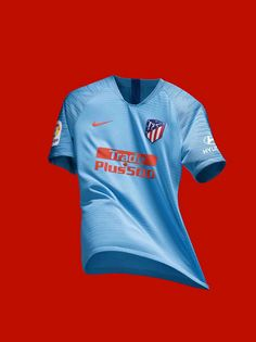 Atlético Madrid presents its new blue away shirt Football Kits, Football Soccer, Nike, New Blue, Sport T Shirt, Fc Barcelona, Messi, Shirts, Shirt Designs
