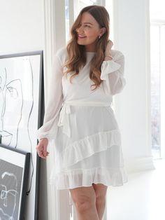 White Dress, Dresses With Sleeves, Hollywood, Elegant, Long Sleeve, Womens Fashion, Blog, Handmade, Classy