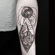 Okan Uçkun Combines Naturalism with Geometry to Create Beautifully Surreal Tattoos - My Modern Met