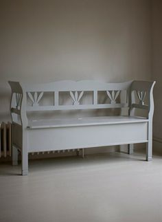 Hungarian Settle Storage Bench