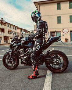 Motocross Outfits, Motocross Gear, Bike Suit, Motorcycle Suit, Motard Sexy, Agv Helmets, Motorbike Leathers, Mens Gear, Biker Leather