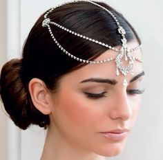Gatsby style wedding hair accessory. Would also work with a sharp bob.