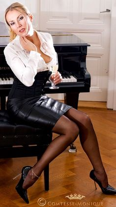 pantyhose Dom sheer lady in