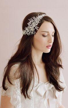 Cómo eligo la tiara adecuada? http://www.quinceteens.com/tiaras-el-toque-final/