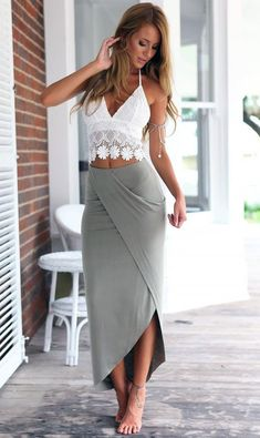 White Lace Cami Top + Gray Asymmetric Pencil Skirt Twinset (Perfect skirt would use a long sleeve shirt maybe a tad looser) White Lace Cami, Lace Crop Tops, White White, White Tops, Mode Outfits, Sexy Outfits, Fashion Outfits, Womens Fashion, Fashion Clothes