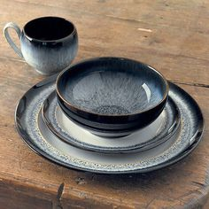 Denby Pottery Halo 16 Piece Dinner Set This was perfect (black grey yellow) but £130
