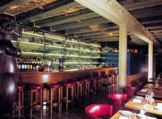 With its library of spirits, its sleek interiors and elegant seating, the Widder Bar is certainly at the very top end of Zurich's establishments. Switzerland Hotels, Visit Switzerland, Restaurants, Jazz Bar, Thing 1, Zurich, Looks Cool, Bars For Home, Front Desk