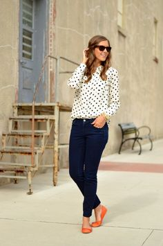 polka dot button up + jeans + bright flats