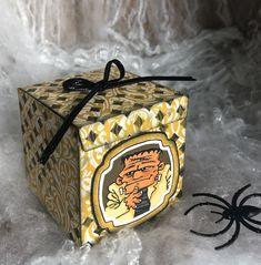 Würfelbox, Monsterparty Monster Party, Halloween, Decorative Boxes, Home Decor, Book Folding, Decoration Home, Room Decor, Home Interior Design, Decorative Storage Boxes