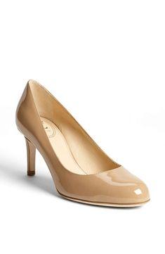 63 mejores imágenes de Zapatos   Moda femenina, Tacones altos y Trajes 368aaa9210