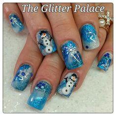 Pretty holiday season nail art   Christmas nail art ideas   festive nail art   ideas de unas
