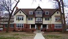 Delta Upsilon Fraternity House (1902-1903; Remodeled and altered after fire, c.2012) 1331 Hill, Ann Arbor