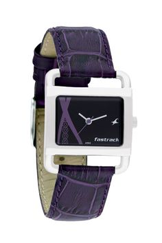Shop2Vijayawada.com provides Fastrack Watch so as to Surprise HER On Rakhi Occassion.