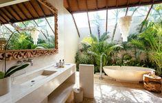Gallery - Bliss Sanctuary For Women Open Bathroom, Beach Bathrooms, Garden Bathroom, Retro Interior Design, Bathroom Interior Design, Balinesisches Bad, Dream Home Design, House Design, Indoor Outdoor Bathroom