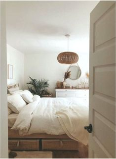 Room Ideas Bedroom, Home Decor Bedroom, Dream Rooms, Dream Bedroom, Summer Bedroom, Interior Minimalista, My New Room, Minimalist Home, Cheap Home Decor