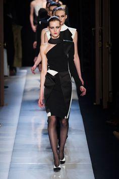 Roland Mouret at Paris Fashion Week Fall 2013