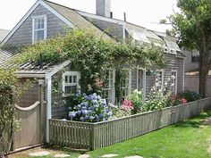 Nantucket cottage | beach house | seaside | vacation home | beach | traditional beach house | classic beach house | New England Beach House