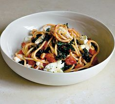 Pasta Pomodoro with Kale & Fresh Mozzarella | power hungry