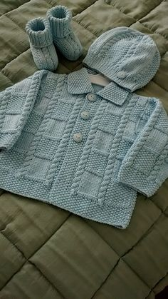 "Ravelry: Делюкс для детей (куртка) модель по Jarol ""Ravelry: Deluxe Baby (Jacket) by Jarol"", ""One of my favorite baby knitting patterns. Baby Sweater Patterns, Knit Baby Sweaters, Knitted Baby Clothes, Boys Sweaters, Baby Knitting Patterns, Baby Patterns, Vogue Patterns, Crochet Clothes, Vintage Patterns"
