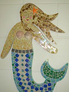 Mermaid Love the folk art feel to this sweet mermaid....