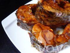 Hương vị thơm ngon đặc biệt của món cá kho chắc chắn sẽ khiến cả nhà thích thú nhất là trong những ngày lạnh. Nguyên liệu: - Cá trắm, cá trôi...- Riềng, sả