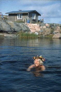 Summer in Klovharu island, Finland. Tove Jansson is the author of the Mumin troll books and Klovharun was her summer cottage on an island in the Finnish archipelago. Tove Jansson, Moomin Books, Moomin Valley, Helsinki, All Nature, Fauna, Photo Postcards, Archipelago, Illustration