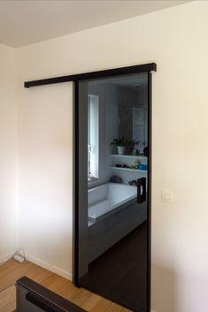 Eileen Gray, Sliding Doors, Bedroom, Furniture, Sliding Door, Bedrooms, Home Furnishings, Dorm Room, Dorm