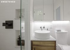 Ellen and Ben's Brooklyn bathroom renovation gets a modern black and white upgrade!