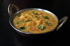 Mango Dal / Mango Lentils made in Instant Pot or Pressure Cooker. Toor dal (Split Pigeon Pea) cooked with raw[...]