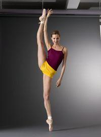Alina Somova Mariinsky Ballet Photo by Nathan Sayers Ballet Poses, Ballet Dancers, Shall We Dance, Lets Dance, Ballet Barre, Ballet Body, Russian Ballet, Barre Workout, Barre Fitness