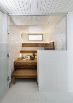 Bathroom Toilets, Basement Bathroom, Bathrooms, Sauna Design, Finnish Sauna, Sauna Room, Spa Rooms, Saunas, Luxury Spa