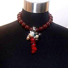 Collar del Orfebre Rafael Bello en la Exposición 25+1 Joyeria Contemporanea en Galeria Arte Consult.