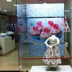 Moda, vitrines, decoração de lojas, como montar uma loja, como aumentar as vendas são alguns dos temas abordados pela Del Carmen by Sarruc.