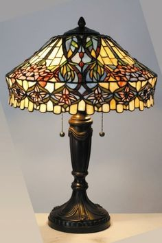 Cordless Table Lamps – A Brilliant Solution - - Tiffany Lamps — I want one soooo bad! Tiffany Stained Glass, Stained Glass Lamps, Tiffany Glass, Leaded Glass, Stained Glass Windows, Tiffany Art, Antique Lamps, Vintage Lamps, Vintage Lighting