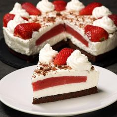 Himbeer Joghurt Torte ohne backen Sommertorte Kühlschranktorte no bake no-bake summer cake Himbeeren Easy Cake Recipes, Sweet Recipes, Dessert Recipes, Summer Cakes, Sweet Cakes, Themed Cakes, No Bake Cake, Cake Decorating, Bakery