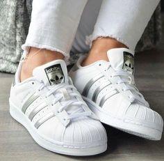 sports shoes a33b5 d8eaf adidas silver stripes- Stylish Adidas superstar designs Zapatillas Para  Correr, Mochila Adidas, Zapatillas